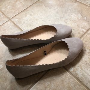 Scalloped suede flats light grey women's 7.5 (38)
